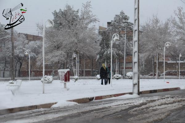 300 کیلومتر از راههای رفسنجان برف روبی شد