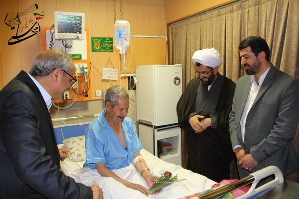 عیادت مسئولین از بیماران بیمارستان حضرت علی ابن ابیطالب در آخرین روز از هفته سلامت به روایت تصویر