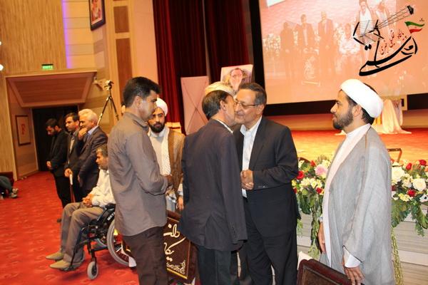 به مناسبت سوم خرداد خانواده شهدا ، جانبازان وایثارگران در دانشگاه ولیعصر تجلیل شدند+ عکس