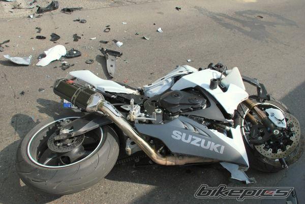 حادثه برای موتور کیپس در محور رفسنجان – کرمان با یک کشته و یک مصدوم
