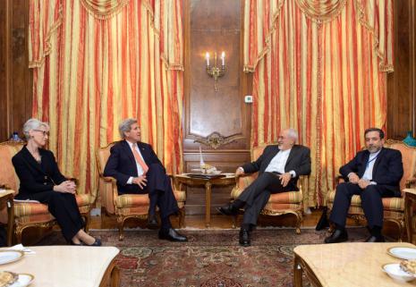 چوب حراج ظریف به دستاورد استراتژیک دانشمندان هسته ای