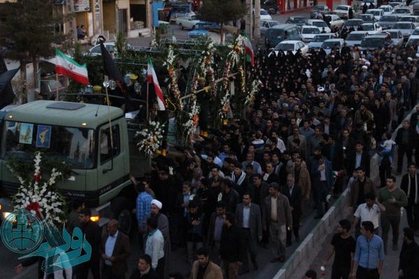 تصاویر استقبال از کبوتران خونین بال میهن در رفسنجان/ مردم رفسنجان به استقبال شهید غواص حسن عبداللهی رفتند