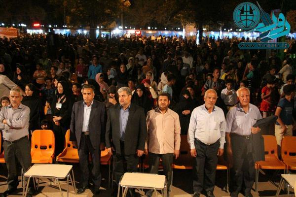جشن خیریه آبشار عاطفه ها همراه با جشن تولد ۳۱ شهید در رفسنجان+عکس