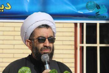 ملت ایران مقاومتر از همیشه همپای مسؤولان نظام هستند