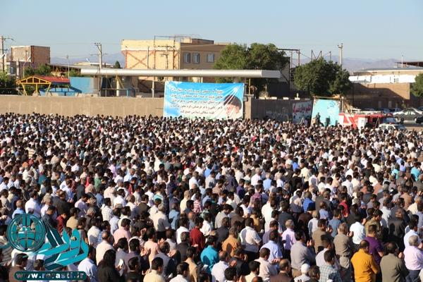 اقامه نماز باشکوه عید فطر در رفسنجان/تصاویر