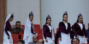 رونمایی از زنان بی حجاب در حضور رئیس جمهور ایران+تصاویر