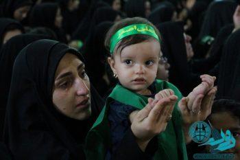 همنوایی مادران رفسنجان با رباب در همایش شیرخوارگان حسینی/تصاویر