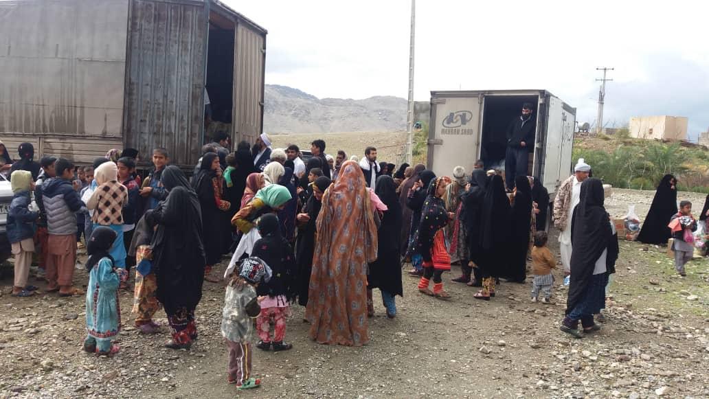 کمک های مردم رفسنجان به سیل زدگان سیستان و بلوچستان