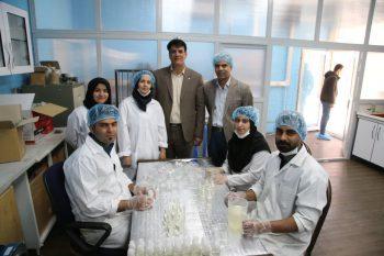 تولید ژل ضدعفونی کننده در مرکز رشد دانشگاه رفسنجان/ماسک کربنی در مرحله تست
