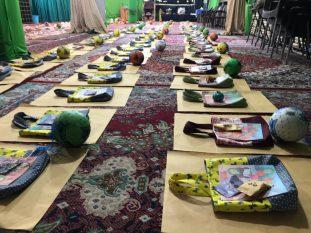 عیدی «مادرانه» به دختران روزه اولی در رفسنجان