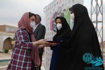 اختتامیه دومین جشنواره عکس «از چشم دختران ببینیم» در قاب عکس روراستی