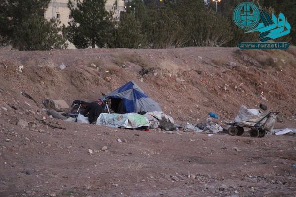 ساعاتی با بی خانمان ها در رفسنجان/از آرزوی رفتن به کربلا تا چشم انتظاری دیدن فرزندان